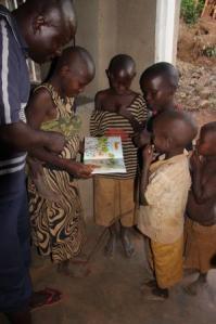 2016-09-12-lecture-avec-les-enfants-1